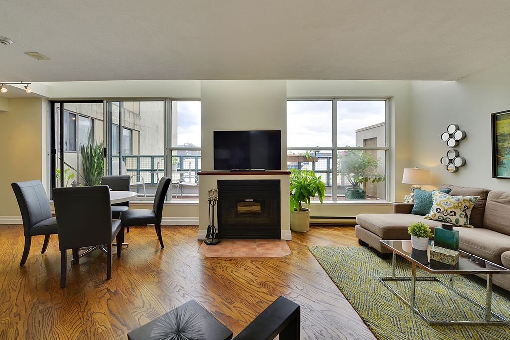 New Listing Alert - 222 The Esplanade Unit 1206